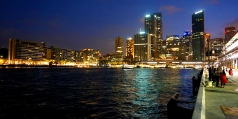 Pic 2017-1224 06 Sydney Harbour at Nite (47) Edit